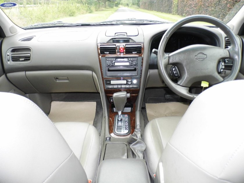 2001 Nissan Maxima interior: autotrader.co.uk