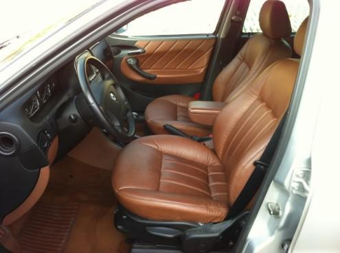 2002 Lancia Lybra Emblema interior: www.lanciaclub.net