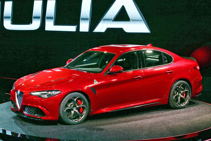 2016 Alfa Romeo Giulia in a surprising and difficult to name shade: Autobild.de