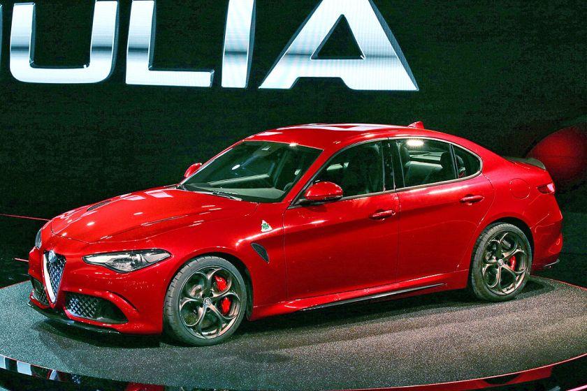 2016 Alfa Romeo Giulia in a surprising and difficult to name shade: Autobild.de