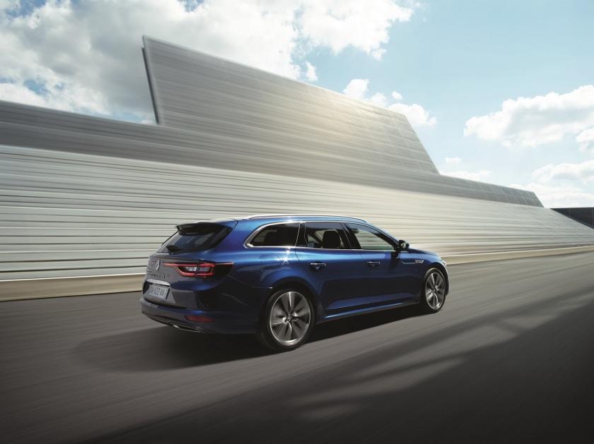 2016 Renault Talisman estate: autoevolution.com