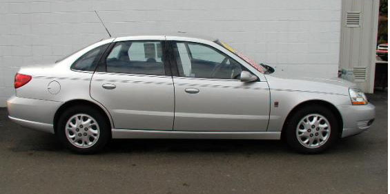 2003 Saturn L - worse in every way than the Vectra B: carfinderservice.com
