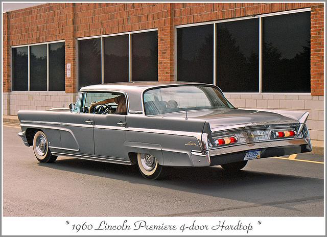 1960 Lincoln Premiere: momentcar.com