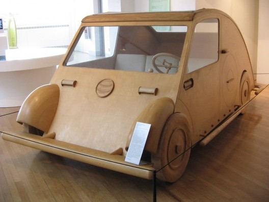 Le Corbusier´s Voiture Maximum: thealzblog.wordpress.com