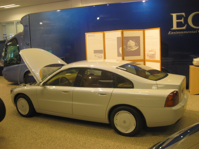 1992 Volvo ECC concept car. Is it that long ago that Volvo changed its styling direction?