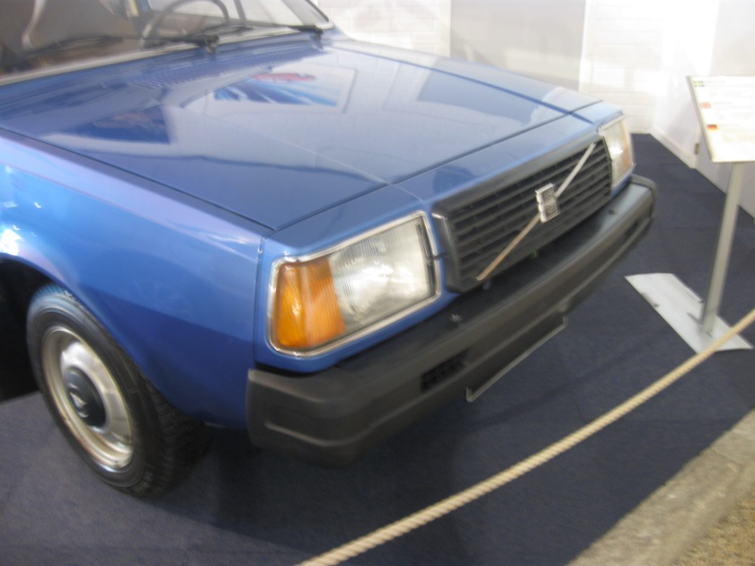 An early Volvo 340, or partthereof. I literally forgot to photograph the rest of it.