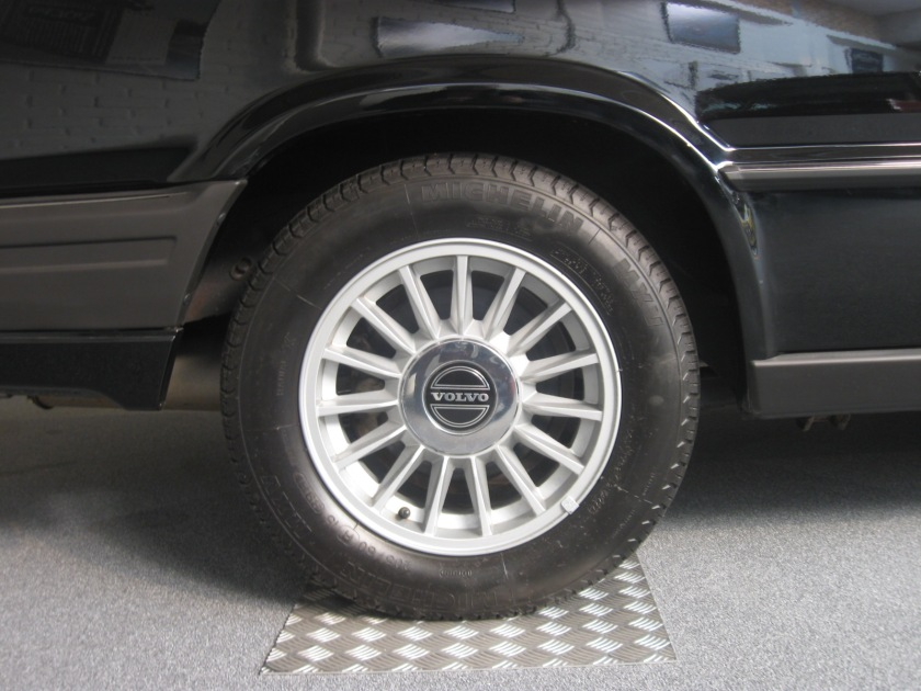 1986 Volvo 780 alloy wheel.