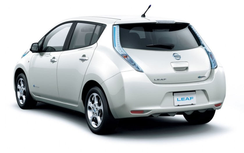 nissan-leaf-white-2