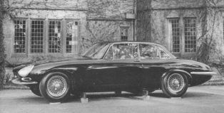 (c) AROnline. XJ4 in original E-Type biased form.