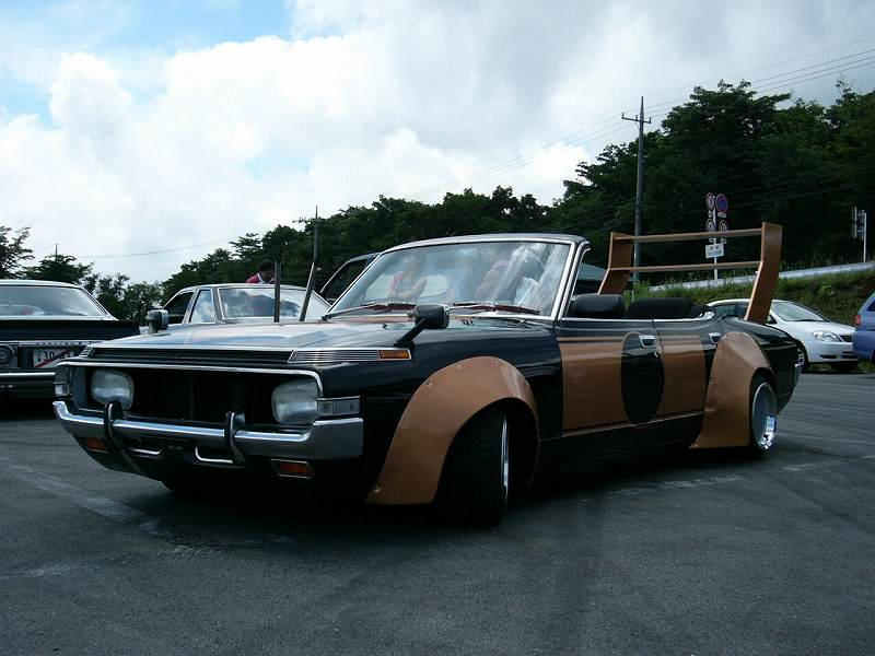 rare-bosozoku-cars-toyota-crown-ms65-1