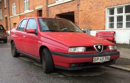 1995 Alfa Romeo 155 front