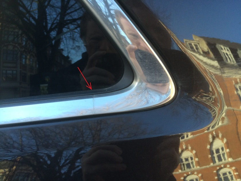 2011 Jeep Cherokee chrome detail with line