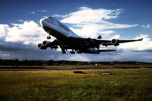 lufthansa-boeing-747-400
