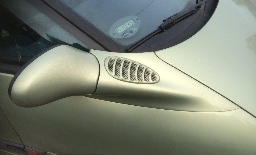 Curvy and elaborate: 1997 Renault Espace 3.0 V6 24V