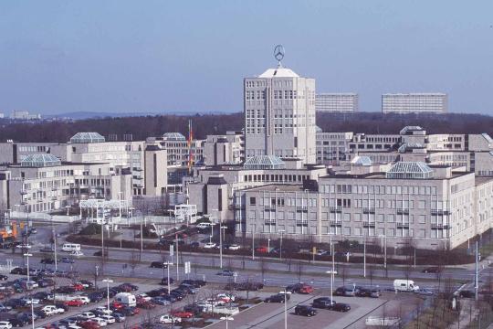 in-stuttgart-moehringen-ist-die-daimler-chrysler-konzernzentrale