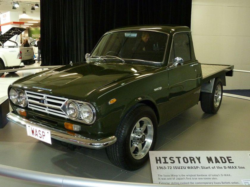 1280px-1965_Isuzu_Wasp_(KR20)_cab_chassis_(2010-10-16)_02