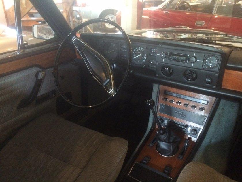 1972 Fiat 130 interior