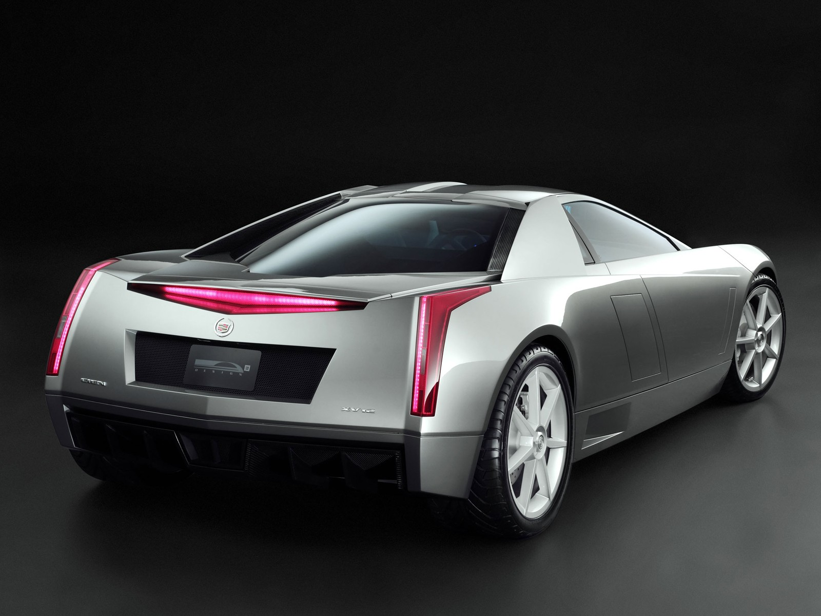 2002 Cadillac Cien concept car: source