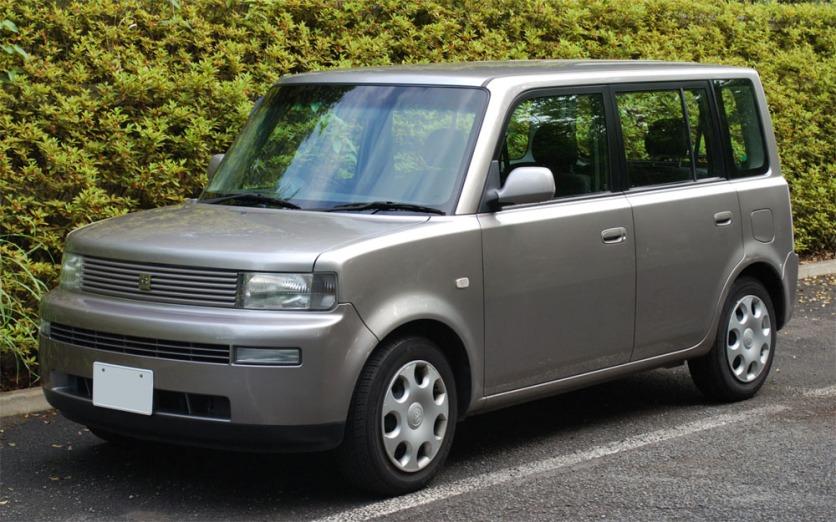 2000 Toyota bB image : Mytho88 / Wikipedia