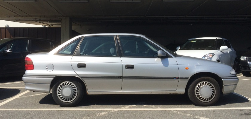 Rare in this colour now: 1991-1998 Opel Astra 1.6 saloon