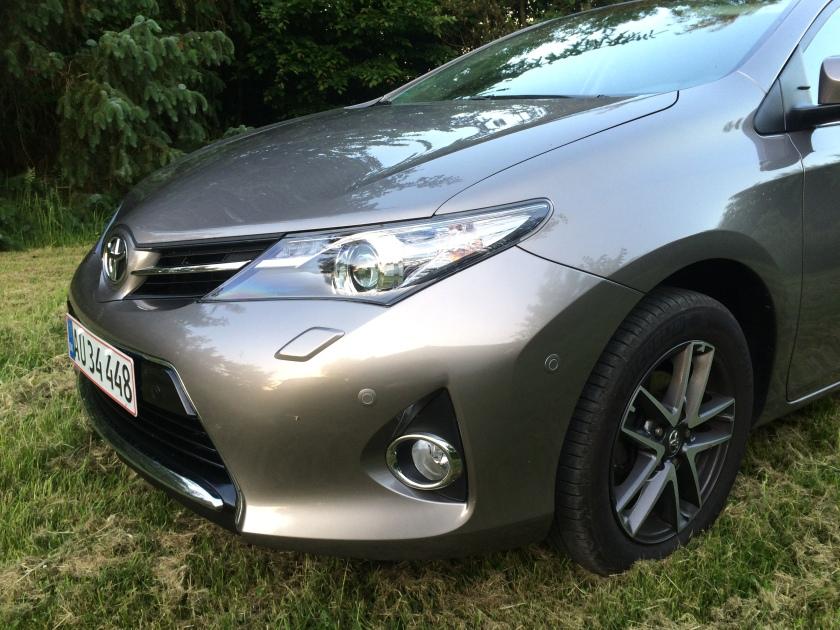 2016 Toyota Auris headlamp: bodge