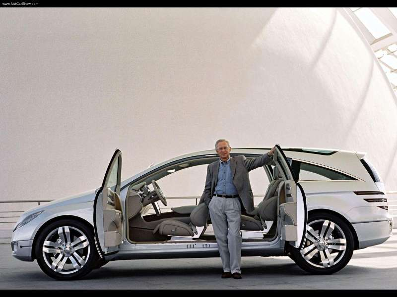 Herr. Hubbert with the 2004 GST concept. Image: .mercedes-benz-community-weebly
