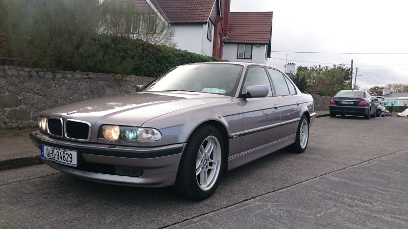 Front three quarters BMW 7 Series
