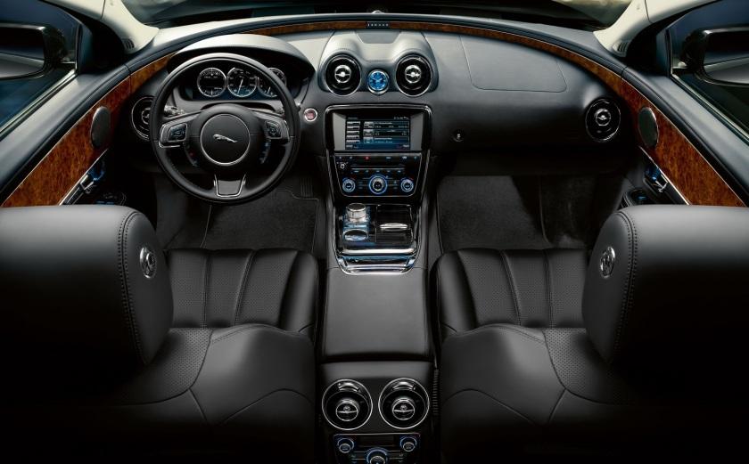 37578d1364319782-bentley-flying-spur-vs-xj-jaguar-xj-2010-interior-3