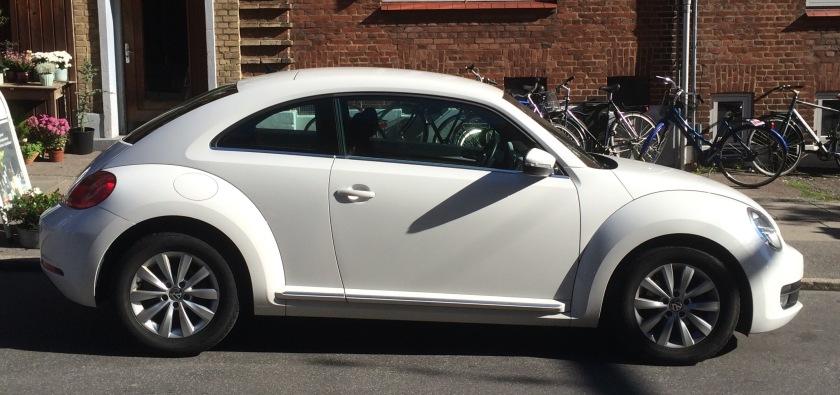 VW New Beetle 2