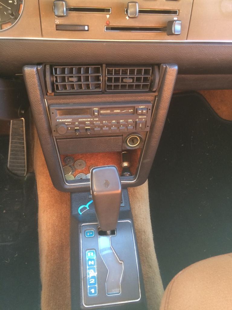 1976 Renault 30 centre console