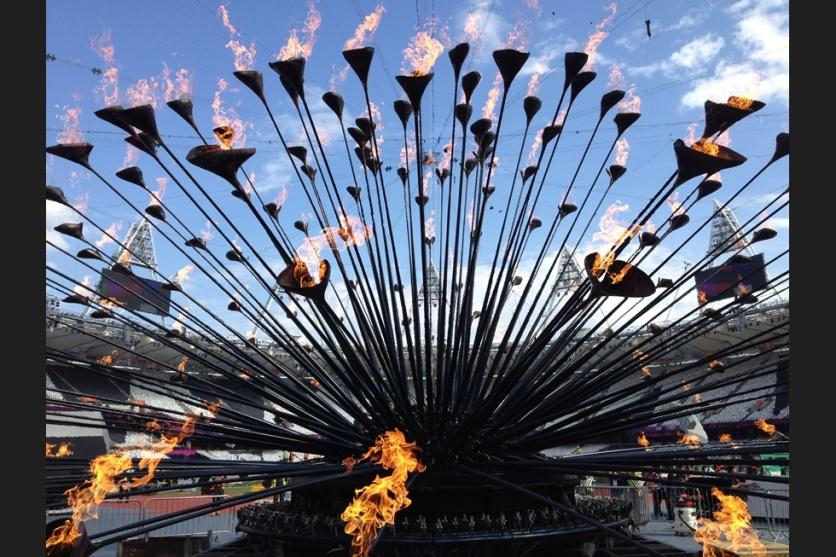 Heatherwick Studios Olympic Cauldron - image : architectsjournal.co.-uk