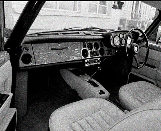 1972 Bristol 411 interior: source