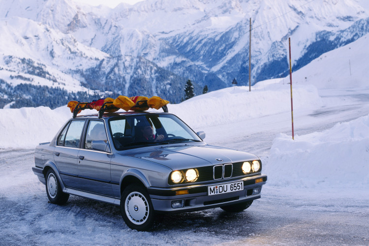 BMW's original 4WD, the 1985 325iX - image : bmwblog.com