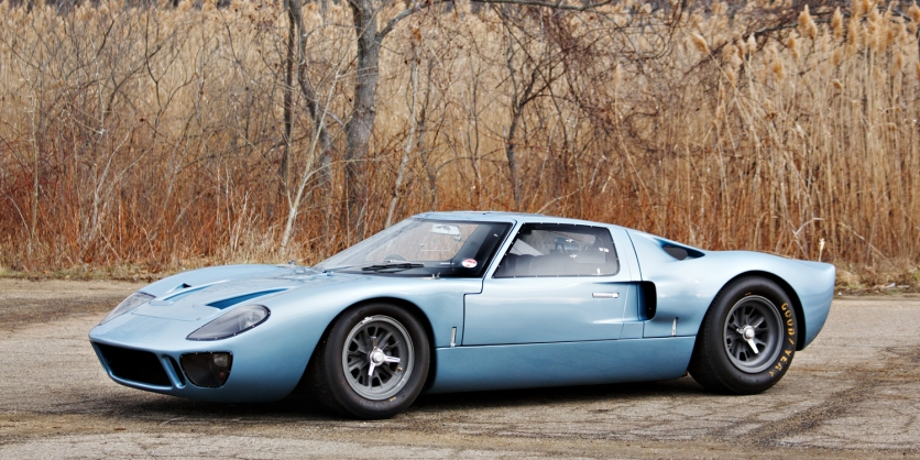 1966 Roadgoing Ford GT40 - Image : roadandtrack.com