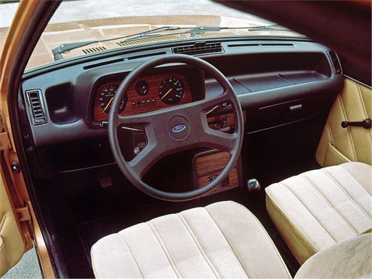Fiesta Ghia interior. Image: classicshonestjohn