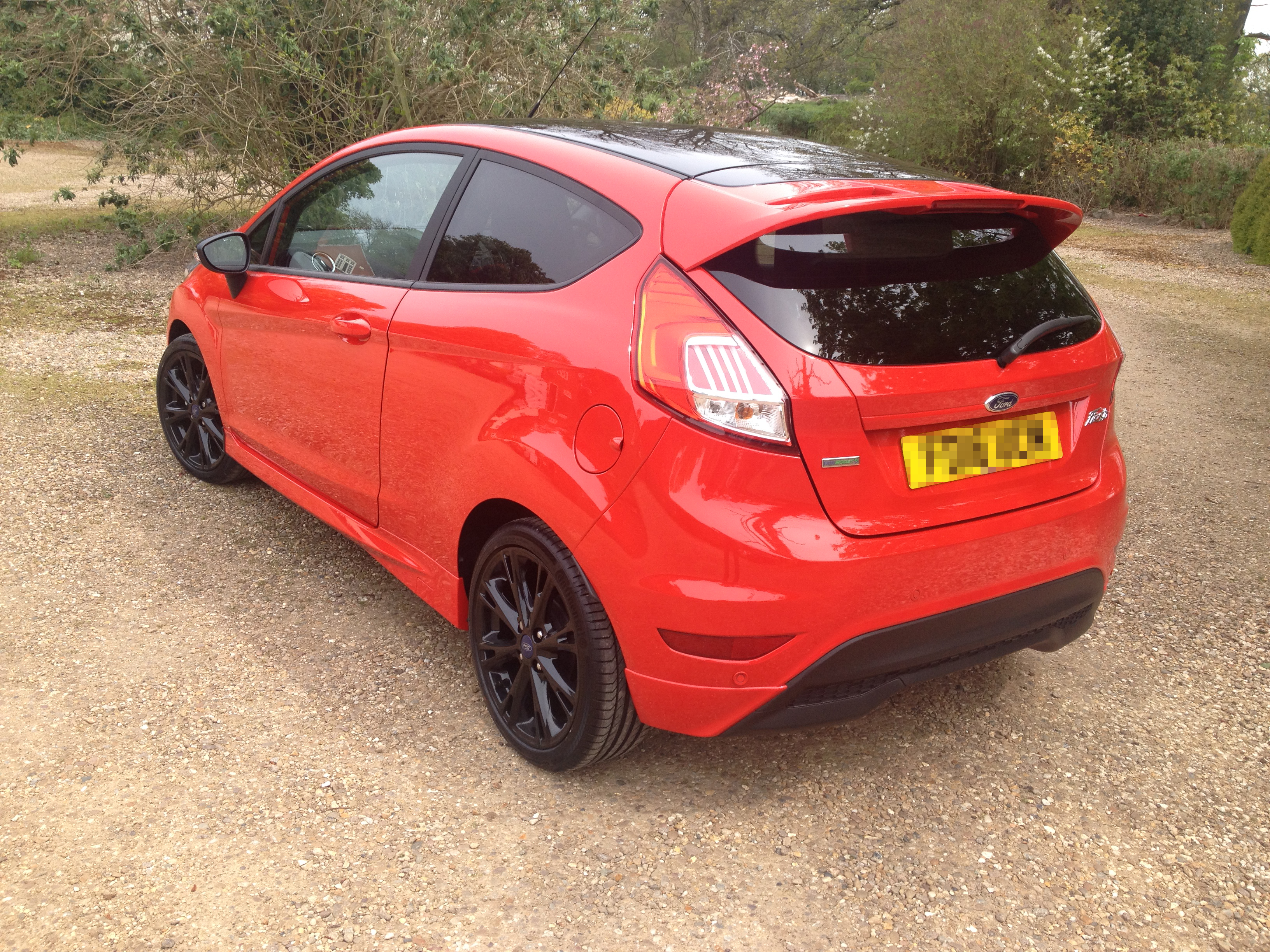 our cars ford fiesta zetec s red 1 0 driven to write. Black Bedroom Furniture Sets. Home Design Ideas