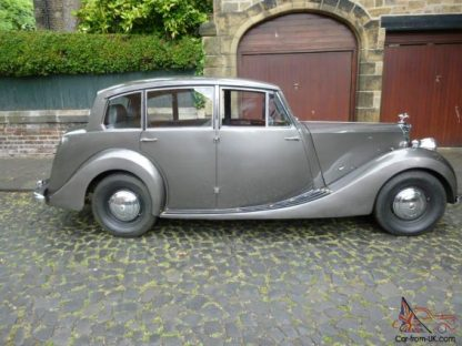 The Mayflower's Big Brother - 1949 Triumph Renown