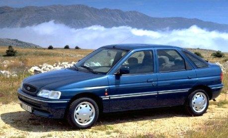 1990 Ford Escort: Escort World