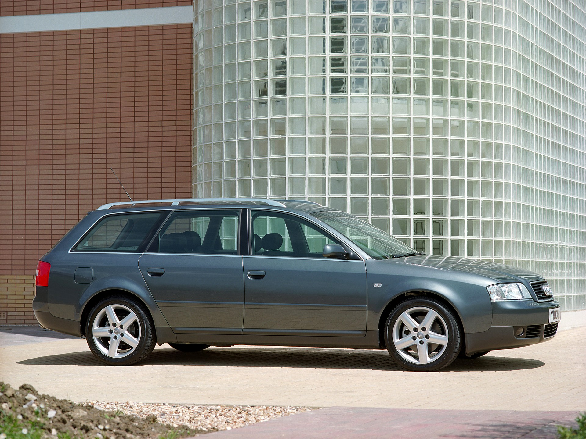 2001 audi a6 avant 7 audi 2001 2004 driven to write. Black Bedroom Furniture Sets. Home Design Ideas