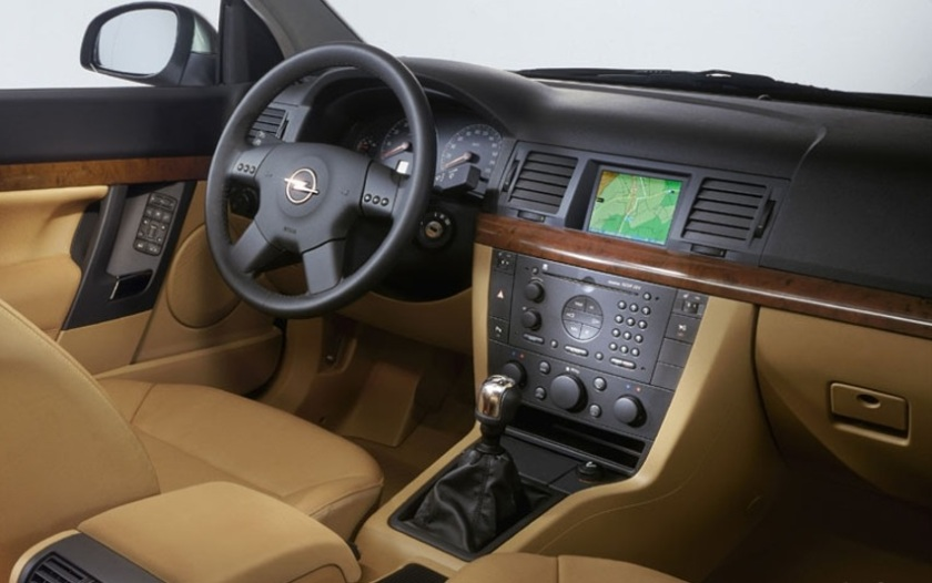 2003 Opel Vectra interior – Driven To Write