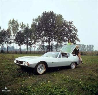 1967 Bertone Pirana. (c) Bertone via fabwheelsdigest