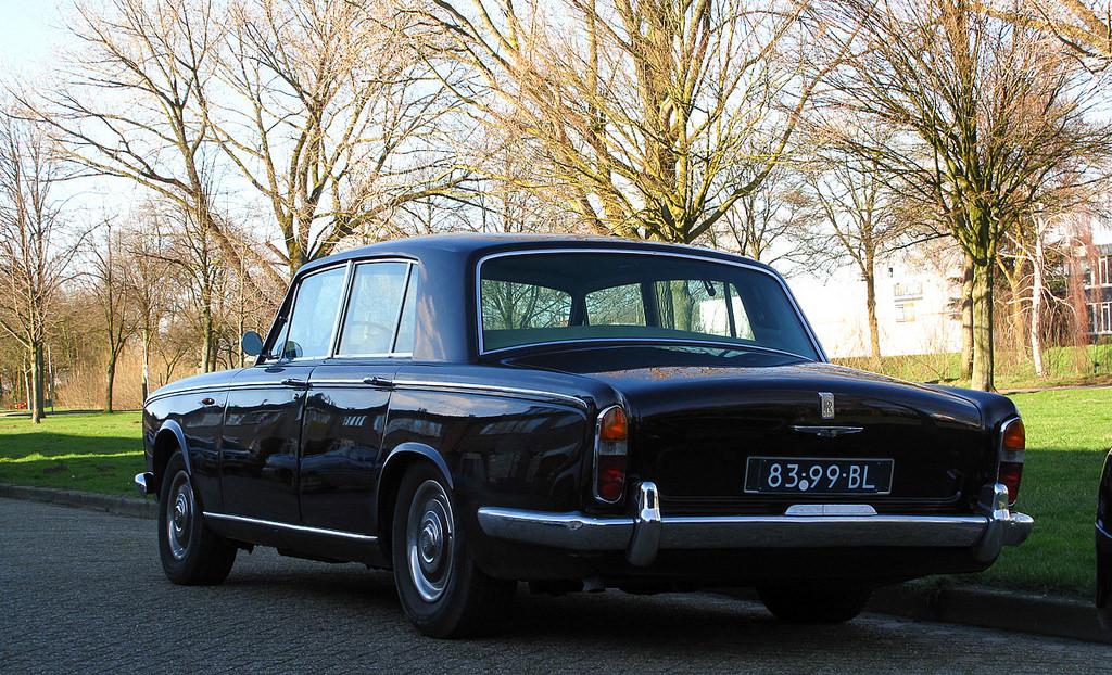 Httpsdriventowrite201809171968 jaguar xj6 background 1966 rolls royce silver shadow rear viewg publicscrutiny Gallery