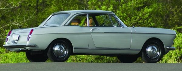 Peugeot 404 Coupé. (c) curbsideclassic