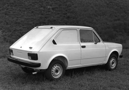 1977 Fiat 147. (c) favcars