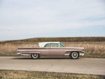 1958 Lincoln Continental mark III. Image: RM Sotheby